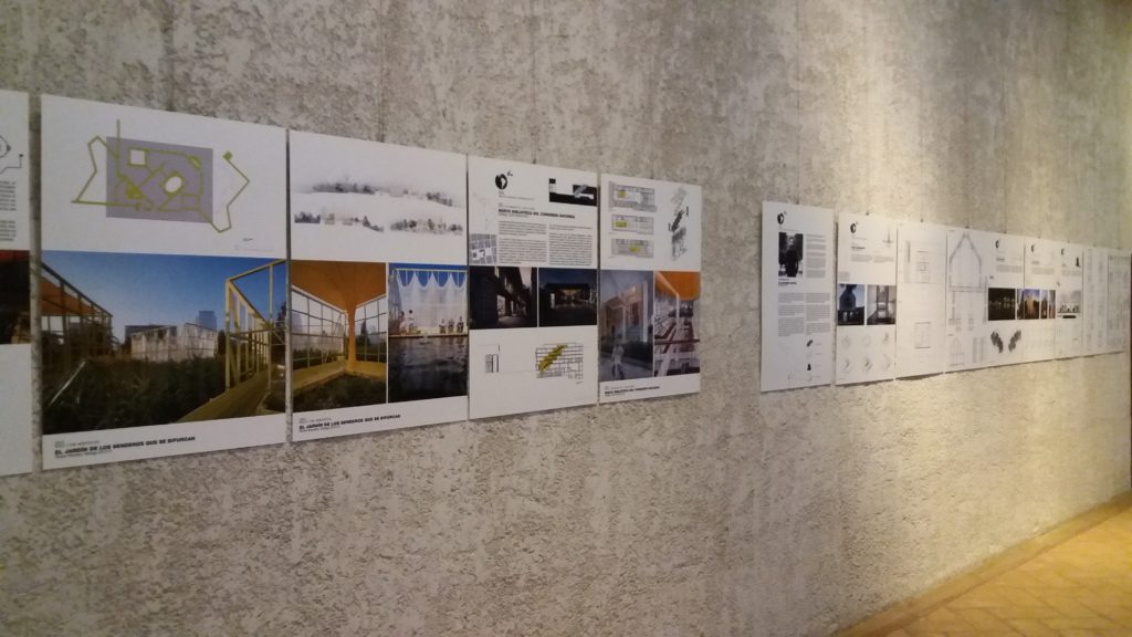 Montaje Exposición en Pamplona Navarra 2 - Blog tresatres