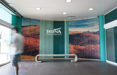 Impresión directa madera CC Iruña - Gran formato Pamplona